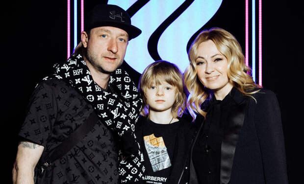 Яна Рудковская и Евгений Плющенко с сыном, Саша Савельева и другие на показе спортивной коллекции