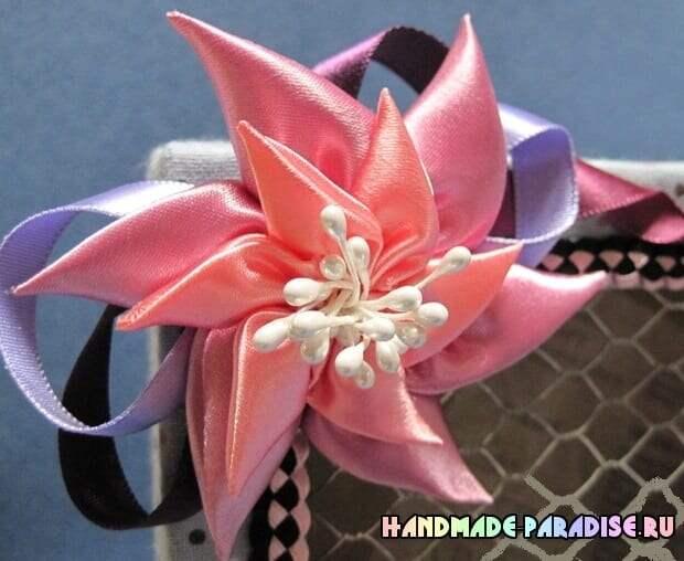 Цветок вертушка из атласных лент (10)