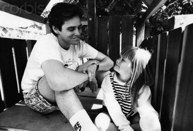12 знаменитых отцов, которые без ума от своих детей