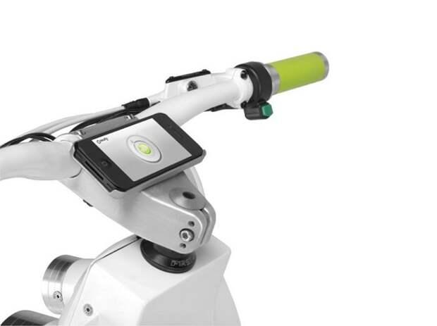 «Зелёный» электроскутер, который заряжается от солнечной энергии