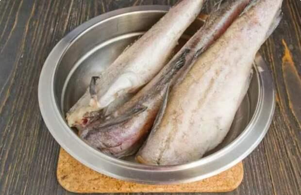Рецепт непередаваемо вкусного сливочного минтая, который готовится за 15 минут