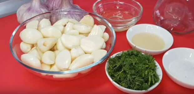 2 заготовки из чеснока на зиму, которые сохраняют его аромат и полезные свойства