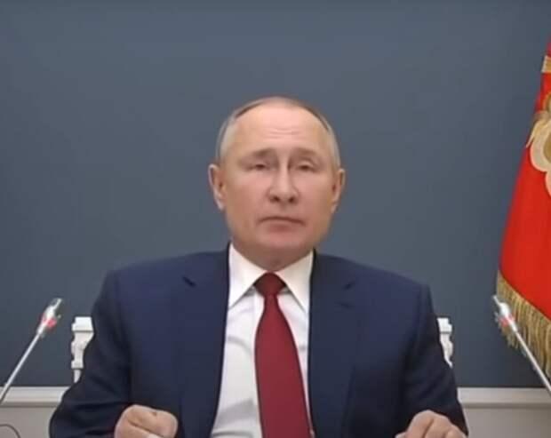 Путин подписал закон, позволяющий ему вновь баллотироваться на пост президента РФ