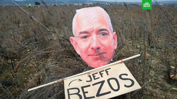 Более 40 тысяч человек подписали петиции против возвращения Безоса на Землю