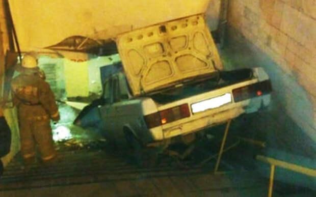 «Так короче»: водитель Волги въехал в подземный переход
