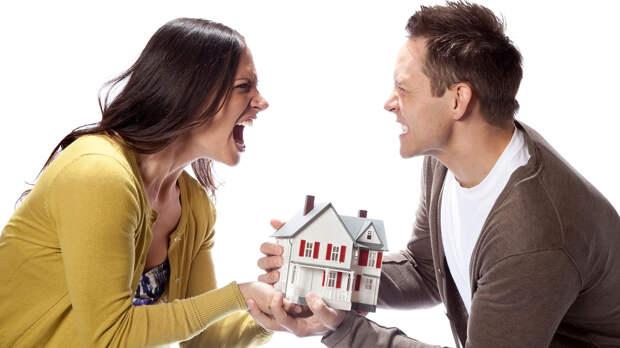 Ипотеку платили вместе, а квартира досталась мужу: когда так происходит и как защититься