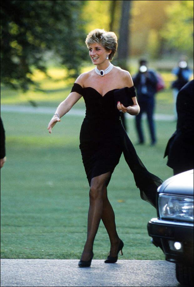 «Платье мести»: как принцесса Диана красиво отомстила Чарльзу заизмену