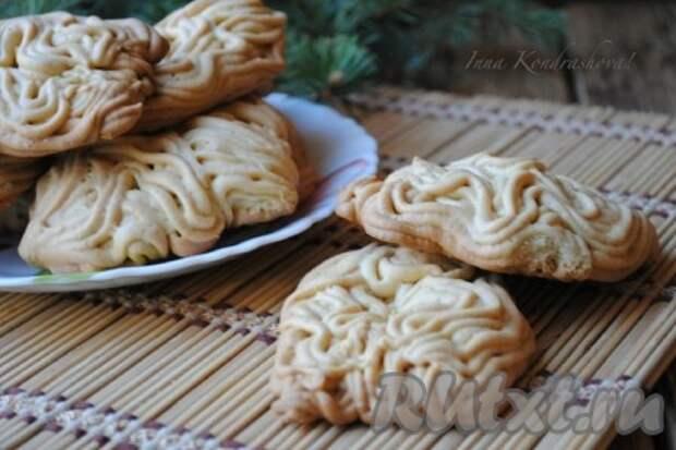 Песочное печенье с майонезом через мясорубку