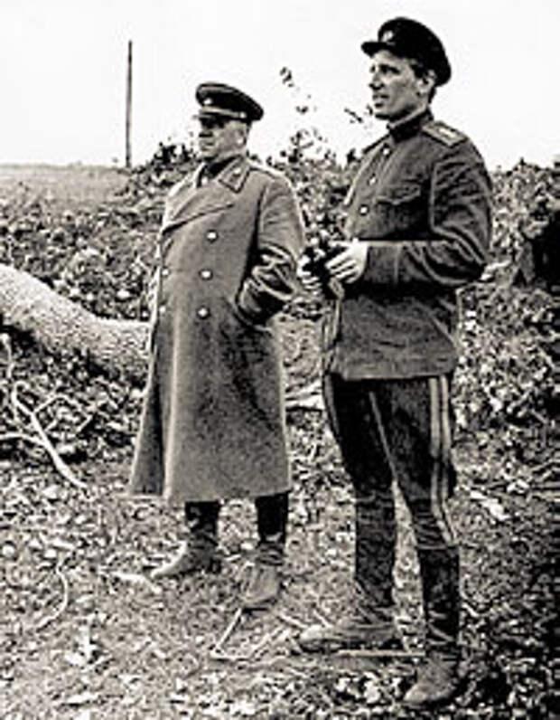 Одна из встреч Голованова (справа) с Жуковым на фронте