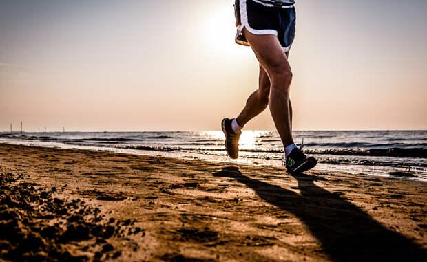 Диабет Конечно, бег не может вылечить диабет самостоятельно. Зато, он снижает диабетическую устойчивость к инсулину и помогает человеку поддерживать стабильный уровень сахара в крови.