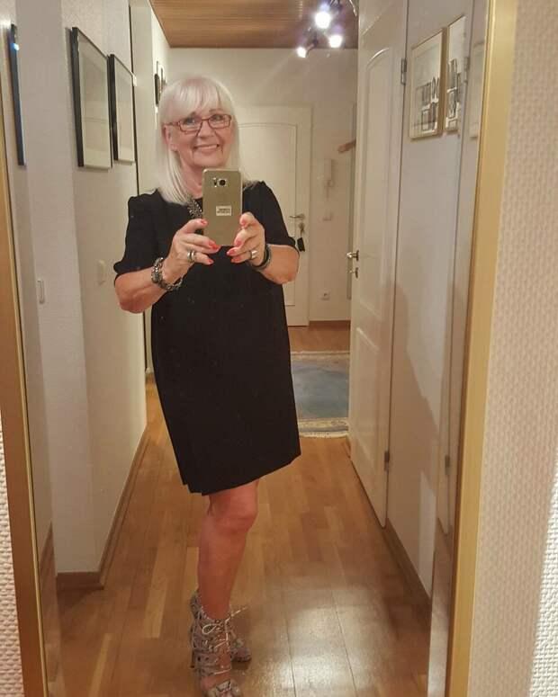 Вот как надо одеваться в 70 лет : стильные образы пенсионерки из Германии