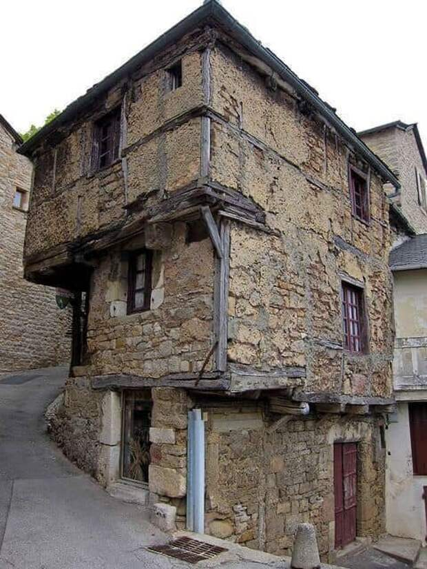 Дом, построенный в XIII веке, Аверон, Франция.