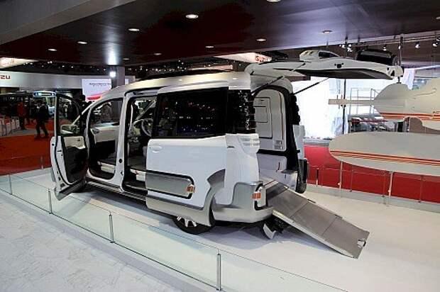 Чудеса и причуды Токийского автосалона (ФОТОРЕПОРТАЖ)