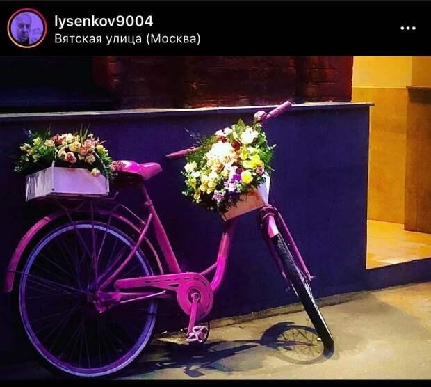 Фото дня: велосипед волшебницы на Вятской улице