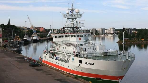 Финское исследовательское судно Aranda ушло от столкновения с российской подводной лодкой