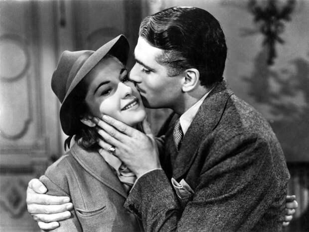 rebecca-1940-laurence-olivier-kissing-joan-fontaine-00n-yrr-1000x750.jpg