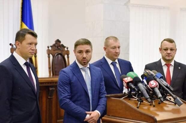 СБУ начала уголовное преследование в отношении адвокатов Януковича