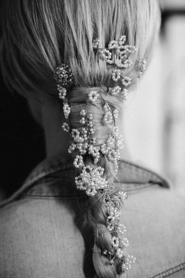 Коса с цветами из бисера