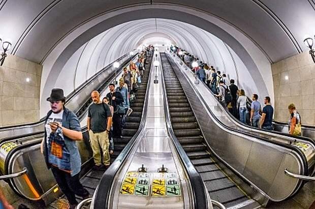 Углубляемся в историю московского метро: красоты и тайны подземелья