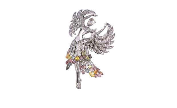 VAN CLEEF & ARPELS Isadora clip in white gold,