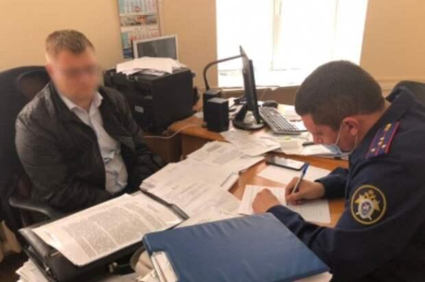 В мэрии Евпатории после обысков задержан начальник имущественных и земельных отношений города