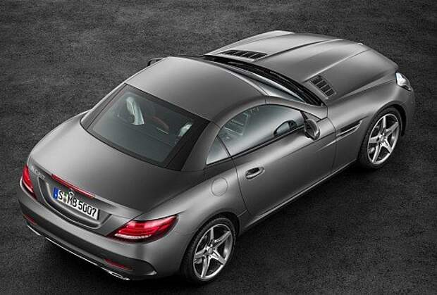Mercedes-Benz SLC приучает к новым буквам и наддуву