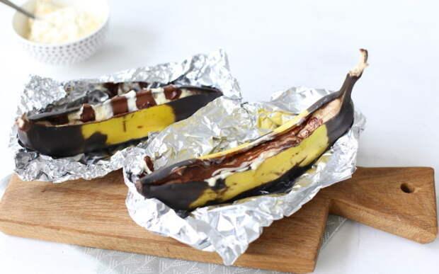 Запечённый банан с творогом и шоколадом. \ Фото: kulray.ru.
