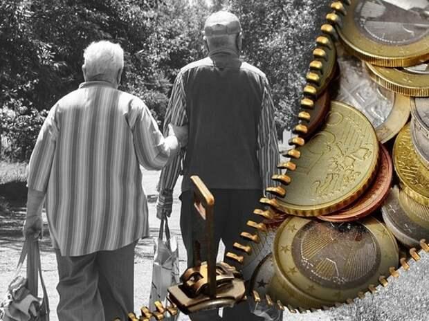 Минтруд и ПФР объяснили, почему работающие пенсионеры не получат пенсий