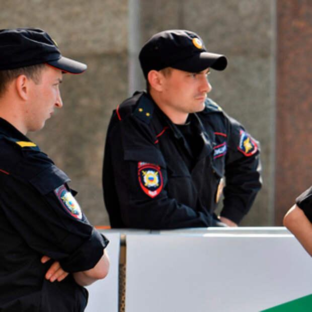 В убийстве школьницы из России заподозрили подполковника полиции