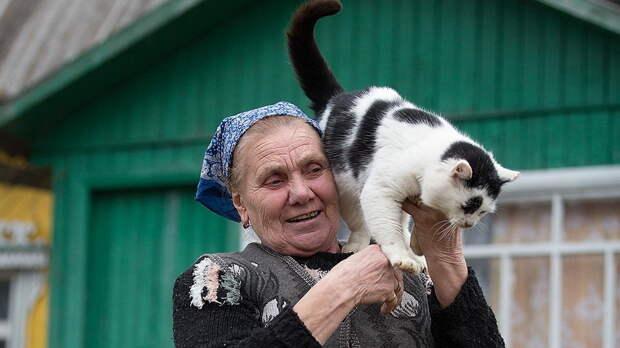 Бабушка с мотором