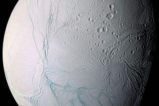 На спутнике Сатурна обнаружены признаки внеземной жизни