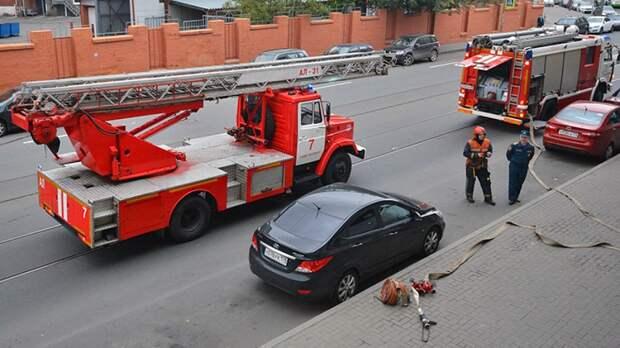 Спасатели потушили «газель» в Приморском районе