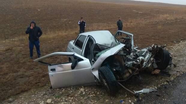 В Белогорском районе столкнулись легковушка и грузовик, погиб 1 человек