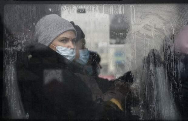 Жительница СЕвастополя выпала на ходу из автобуса и сломала тазобедренный сустав