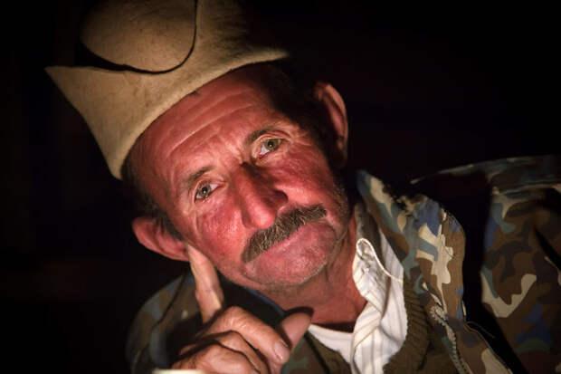 Азал – кашкайский кочевник, проживающий в Иране вокруг света, путешествия, фотография