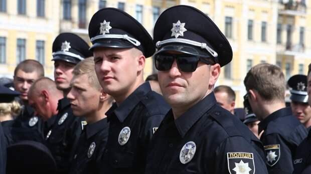 Пирожки по пять копеек: как на выборах подкупали украинскую полицию