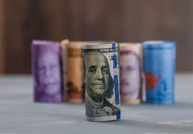 Угроза для госдолга: эксперты о последствиях санкций США