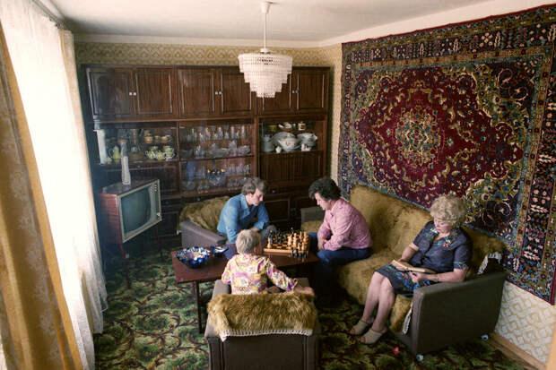 Почему у 74% семей СССР висела дома именно эта люстра?