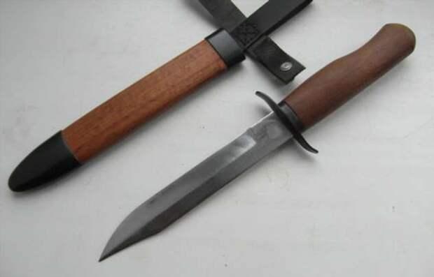Рукоятка «неправильной системы»: для чего советскому ножу НА-40 нужна S-образная гарда