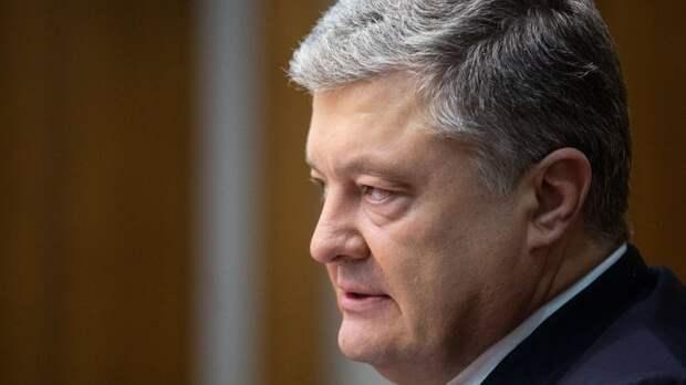 Запахло жареным: семья Порошенко и сам бывший президент Украины бежали за границу