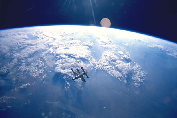 Первая модульная. Орбитальной станции «Мир» исполнилось 30 лет