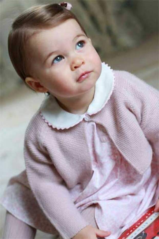 Британской принцессе Шарлотте исполнился один год