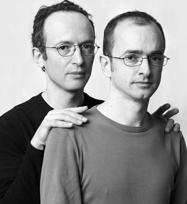30 портретов людей, не связанных кровным родством, но очень похожих друг на друга