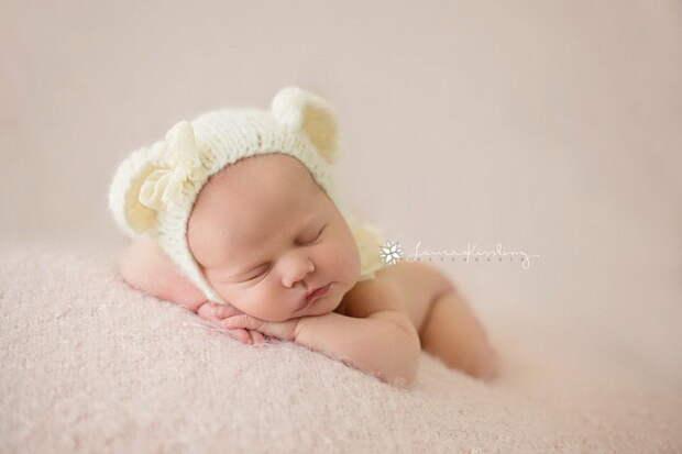 Новорожденные малыши в фотографиях Laura Kissling