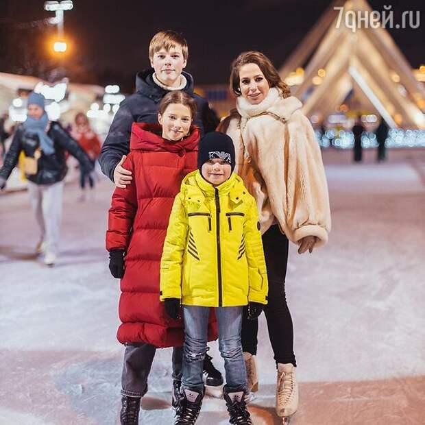 «Дети похожи на него, а не на Аршавина»: фанаты Барановской сделали для себя открытие
