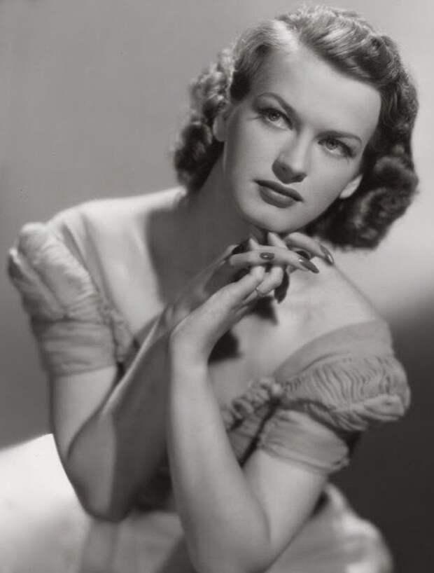 Датская актриса Оса Массен.