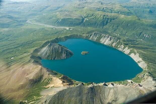 28. Озеро Катмай, штат Аляска, США в мире, озеро, природа