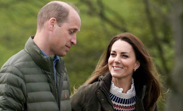 Поездка на тракторе и общение с овцами: Кейт Миддлтон и принц Уильям посетили ферму в Литтл-Стейнтоне