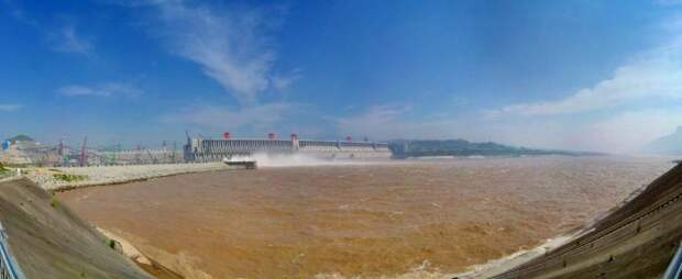 Загрязнение воды. | Фото: LiveJournal.