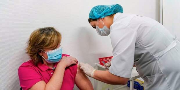 Собянин призвал москвичей не откладывать вакцинацию от COVID-19 Фото: Е. Самарин mos.ru